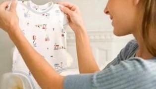 宝宝衣服上的药渍怎么洗掉