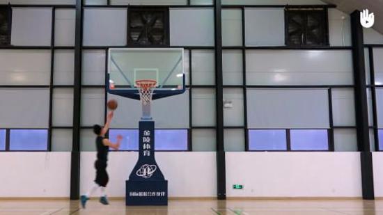 篮球上篮教学Ⅰ:篮球三步上篮