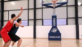 篮球防守Ⅴ:防守中抢篮板球