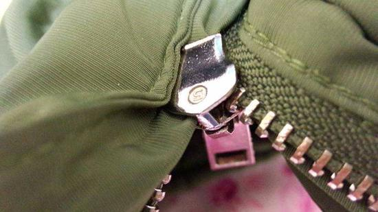 拉链夹住衣服怎么办