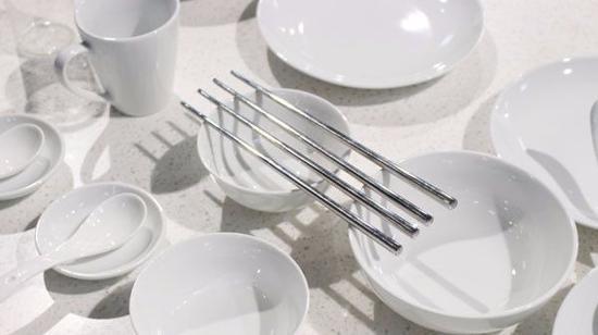 怎么去除碗碟里的顽固污渍