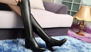过膝靴怎么搭配衣服