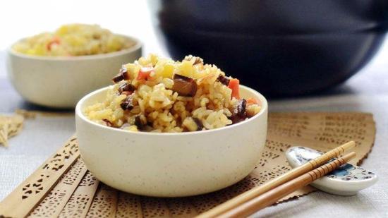 洋芋焖饭的做法