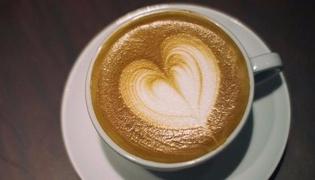 咖啡拉花:心形拉花