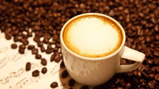 咖啡拉花:如何制作奶泡