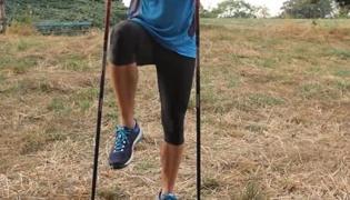 北欧式健走的热身运动Ⅳ:胯部和大腿热身运动