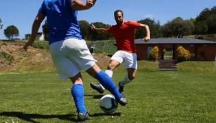 足球传球技巧Ⅵ:快速切球
