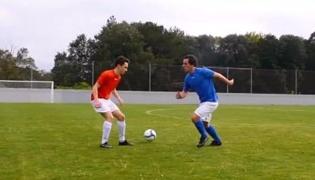 足球传球技巧Ⅲ:人球分过