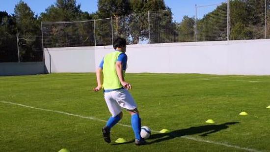 足球赛前热身Ⅴ:踢足球前的技术性练习