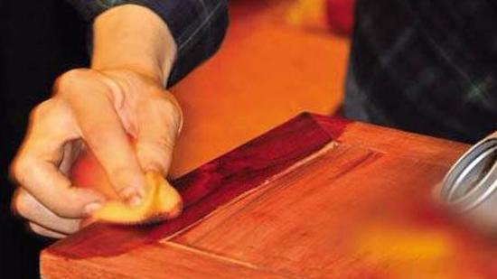 循环利用资源:木料染色