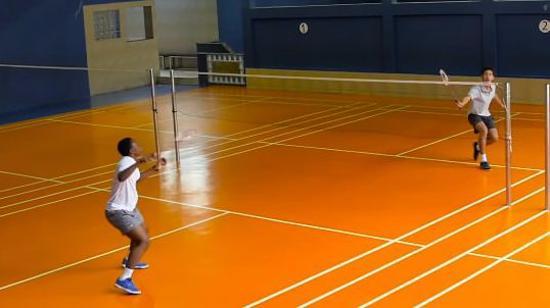 羽毛球反手技术Ⅰ:反手挑高球