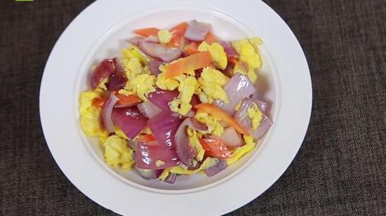怎样做洋葱炒鸡蛋