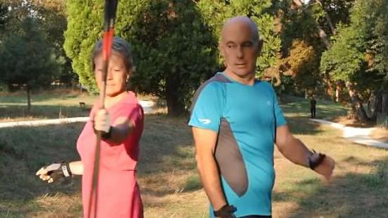 北欧式健走的热身运动Ⅰ:颈部和背部热身运动