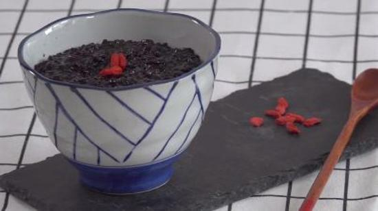 黑米粥的做法