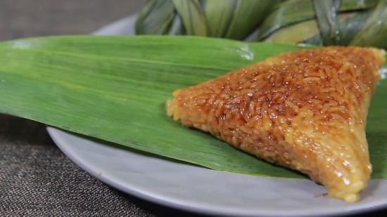 腊肉粽的做法