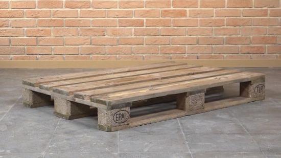 循环利用资源:选择木托盘