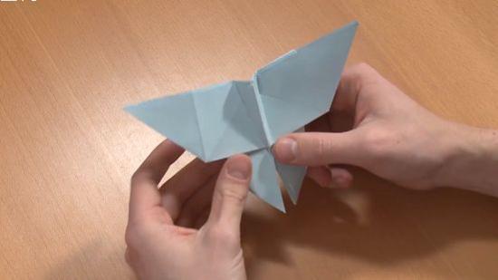 怎么用纸折蝴蝶