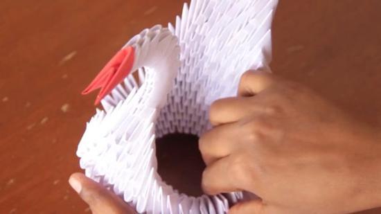 三角纸天鹅折法