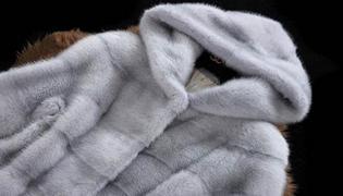 貂皮大衣和羽绒服相比哪个暖和