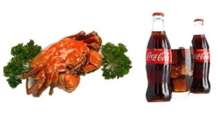 螃蟹和可樂能一起食用嗎