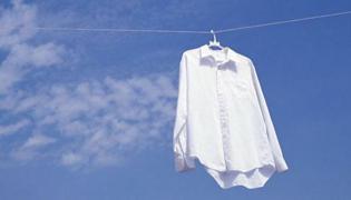 衣服上的枇杷汁怎么洗掉