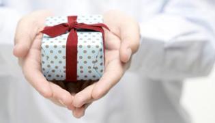 第一次去女方家带什么礼物