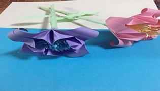 百合花折纸