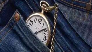 牛仔裤上面的小口袋有什么作用