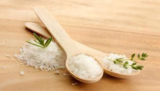 哪个季节该吃盐分多的食物