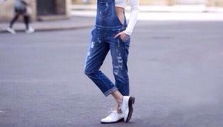 背带裤搭配什么鞋