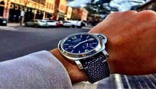 皮肤黑戴什么颜色的手表
