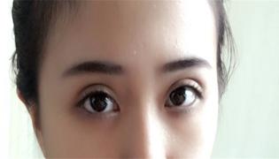 凹眼窝适合什么眼妆
