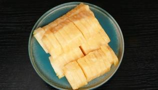 菠萝怎样削皮