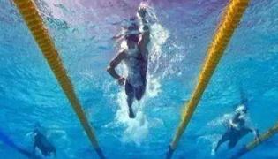 自由泳髖部發力技巧