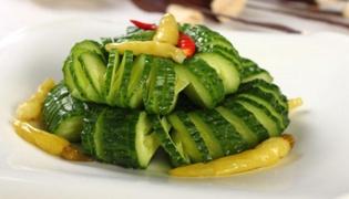黄瓜适合和哪些食物一起炒