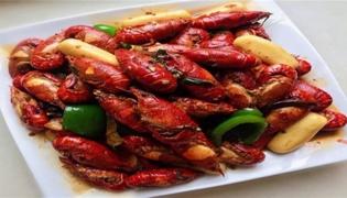 小龙虾吃什么可以长得快