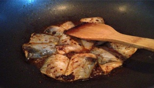 红烧鱼腩的做法