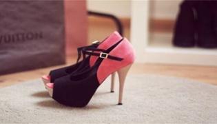 穿高跟鞋怎么才能不累前脚掌