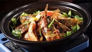 广东鱼头煲的具体做法