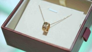 六福珠宝的小蛮腰项链有什么寓意