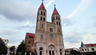 天主教堂的作用