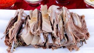 手扒肉是什么民族的特色菜