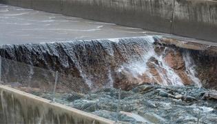 決堤的大壩代表的是啥