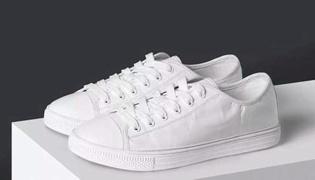 鞋子洗后发黄怎么快速清理干净