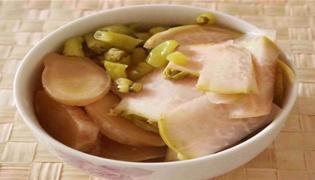 酸萝卜竹笋汤的做法