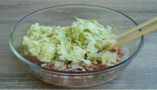 白菜猪肉饺子馅的家常做法