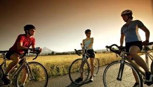 公路自行车的骑行技巧:如何下自行车