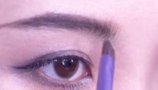 眉笔好还是眉粉好