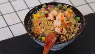 怎样做虾仁炒饭