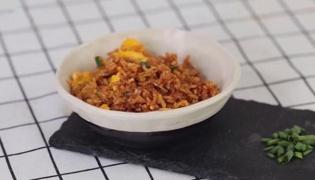 酱油炒饭的做法